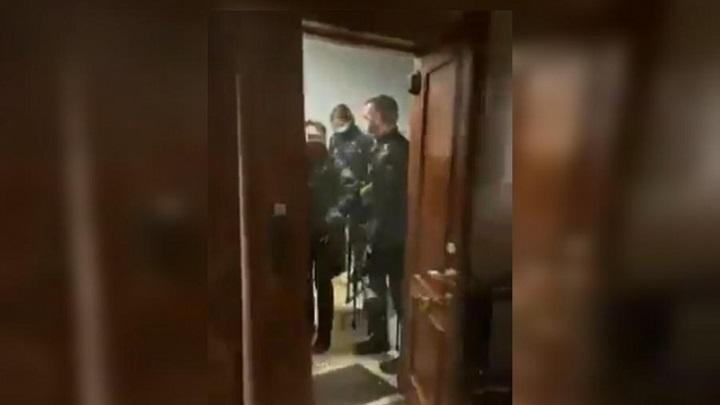 El Puntapié en la puerta no puede tolerarse